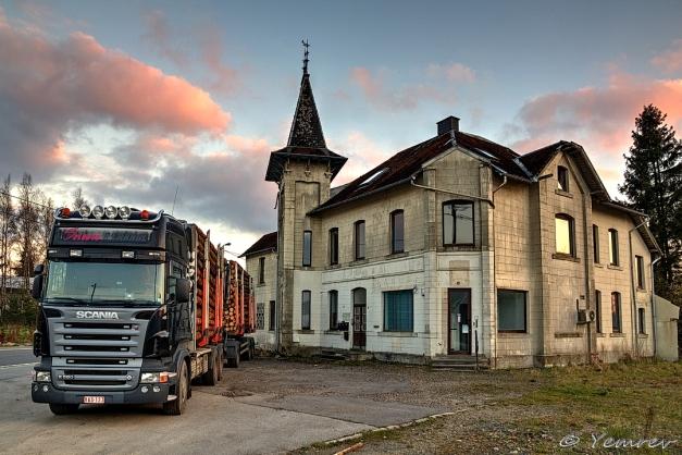 Oud hotel/pension bij station Sourbrodt