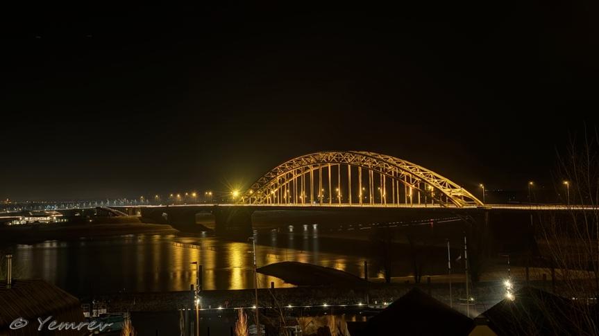 Nijmegen, brug over de Waal