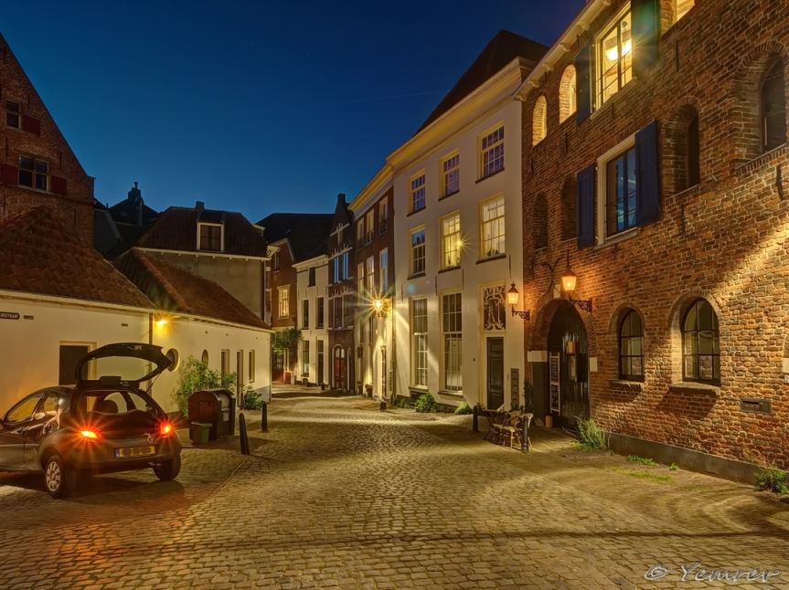 Deventer - Bergstraat hoek Maansteeg