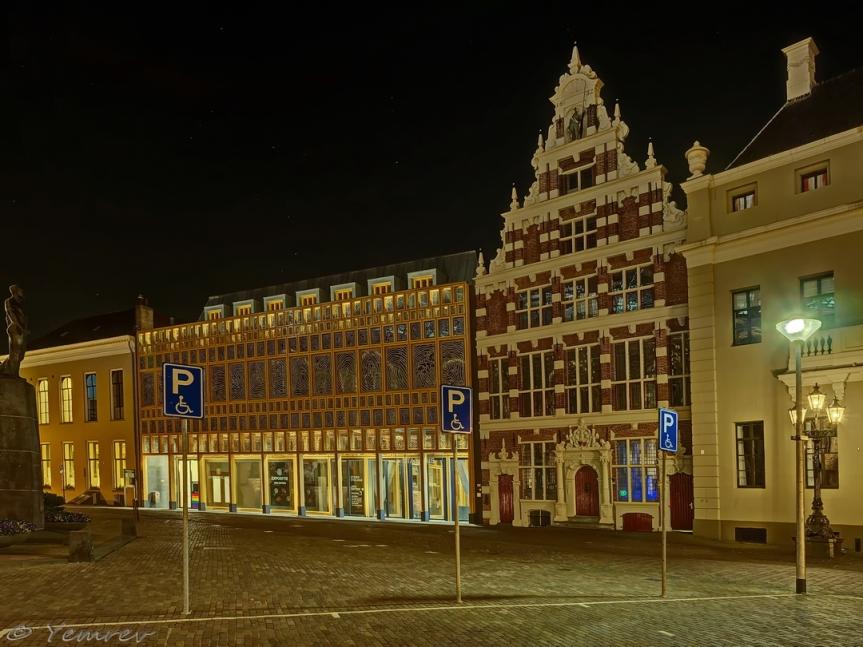 Deventer - Oude en nieuwe stadhuis