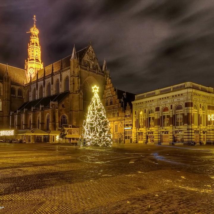Grote Markt met Oude Sint Bavokathedraal